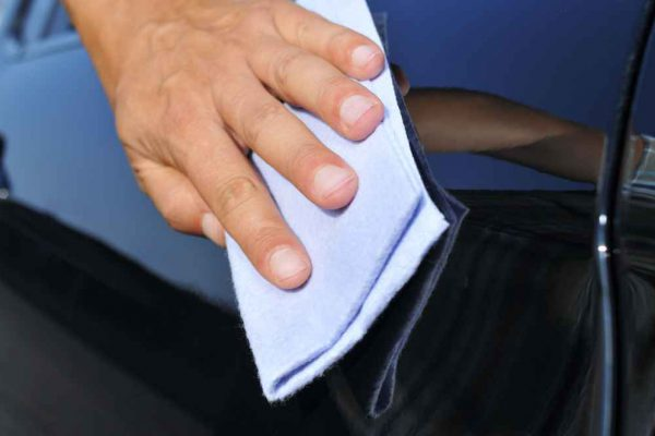 ręczne polerowanie samochodu